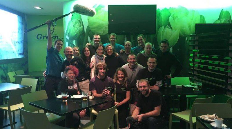 Foto de grupo del primer día de grabación de la webserie Morrosko en el Restaurante Green de Zabalgana (Vitoria-Gasteiz)